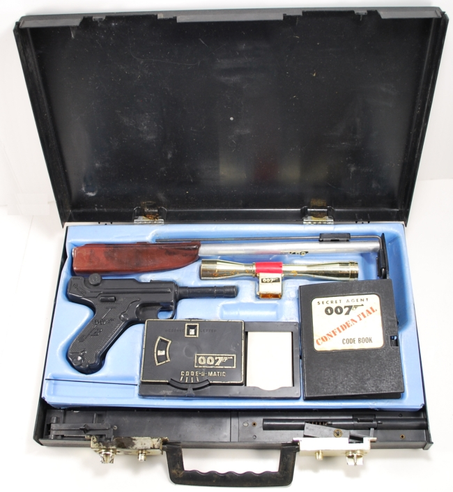 Toys For Boys 12 And Up : James bond attache case do you remember